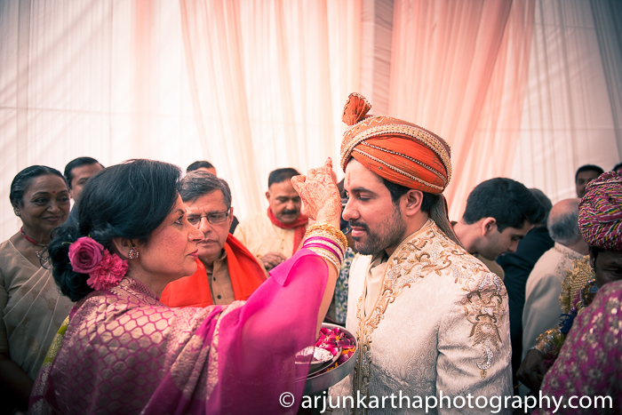Arjun-Kartha-Candid-Wedding-Photography-Sarika-Avin-109