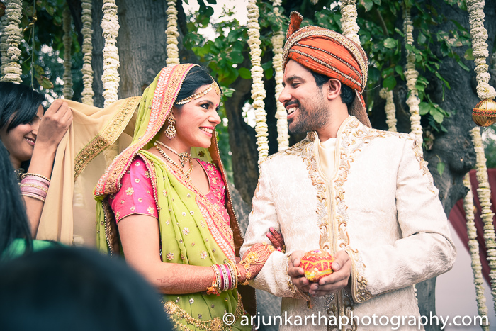 Arjun-Kartha-Candid-Wedding-Photography-Sarika-Avin-114