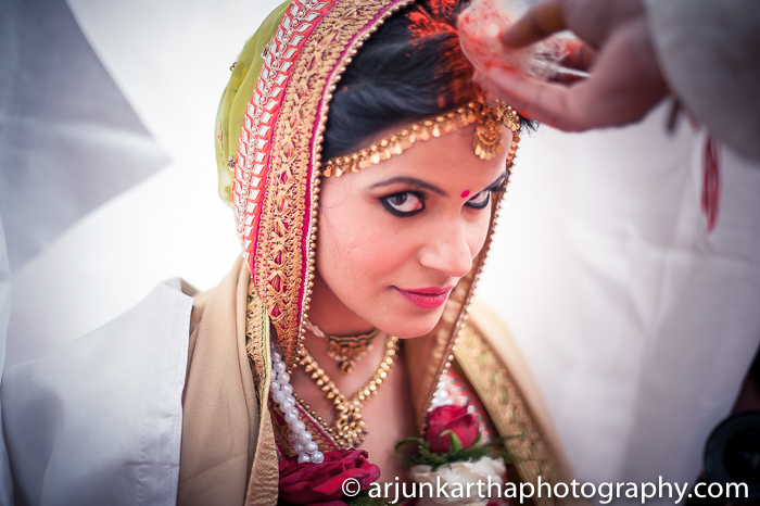 Arjun-Kartha-Candid-Wedding-Photography-Sarika-Avin-131