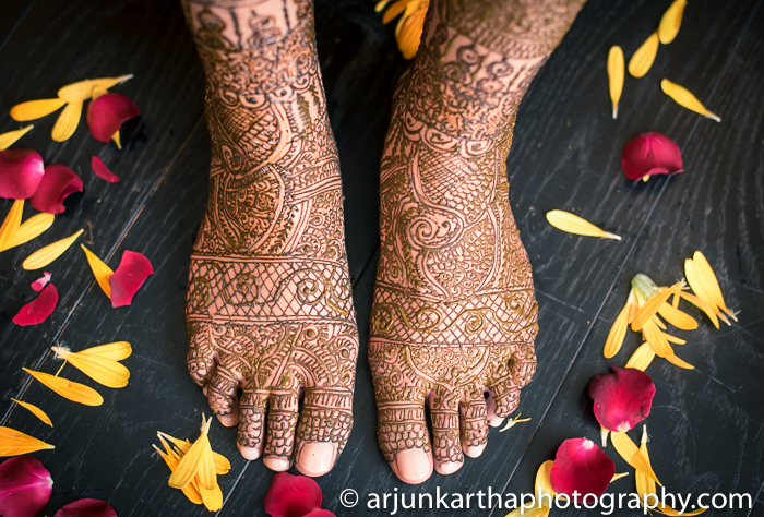 Arjun-Kartha-Candid-Wedding-Photography-Sarika-Avin-24