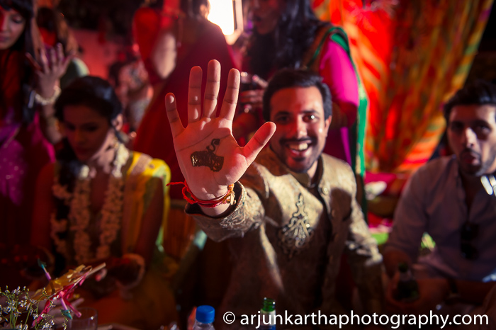 Arjun-Kartha-Candid-Wedding-Photography-Sarika-Avin-36
