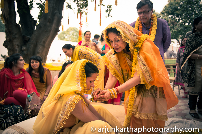Arjun-Kartha-Candid-Wedding-Photography-Sarika-Avin-44