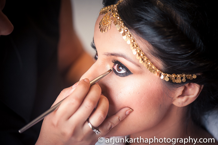 Arjun-Kartha-Candid-Wedding-Photography-Sarika-Avin-84