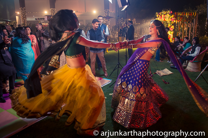 Arjun-Kartha-Candid-Wedding-Photography-Karishma-Aditya-16