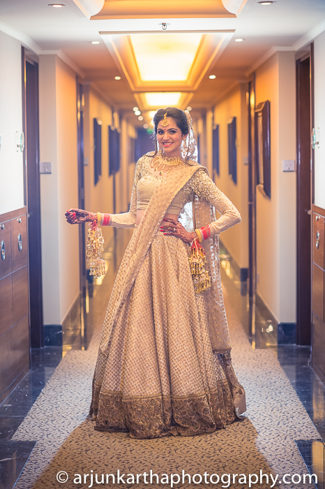 Arjun-Kartha-Candid-Wedding-Photography-Karishma-Aditya-47