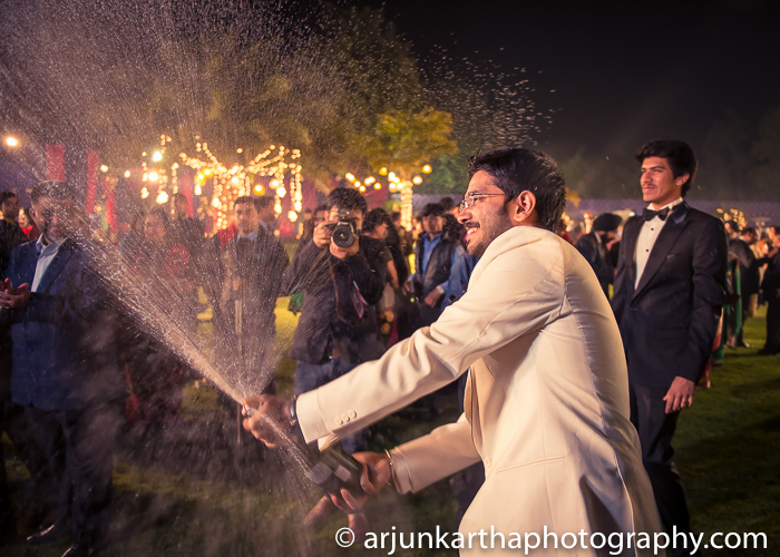 Arjun-Kartha-Candid-Wedding-Photography-Karishma-Aditya-67