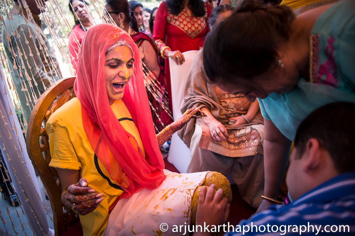 Arjun-Kartha-Candid-Wedding-Photography-Karishma-Aditya-71