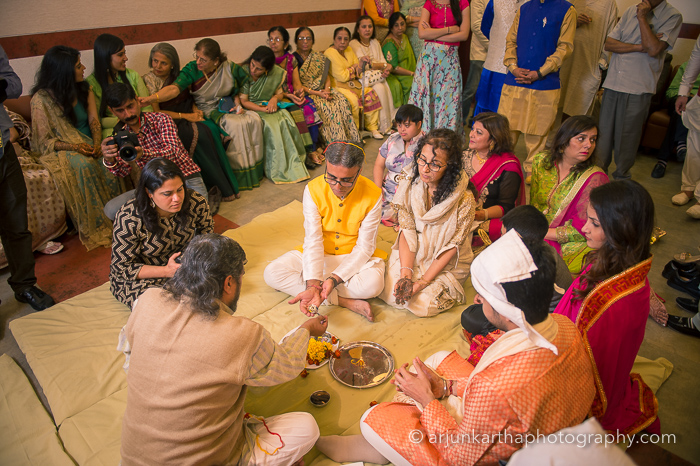 Juhi-Akshay-Real-Wedding-10