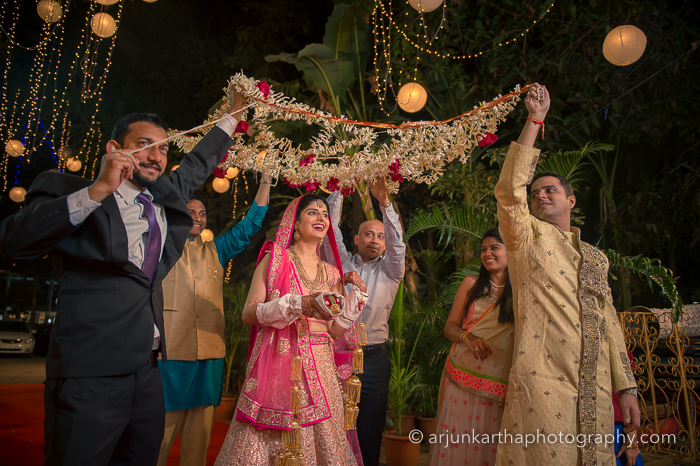 Juhi-Akshay-Real-Wedding-42