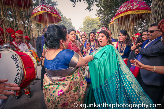 Arjun-Kartha-Candid-Wedding-Photography-Priyanka-Rohan-47