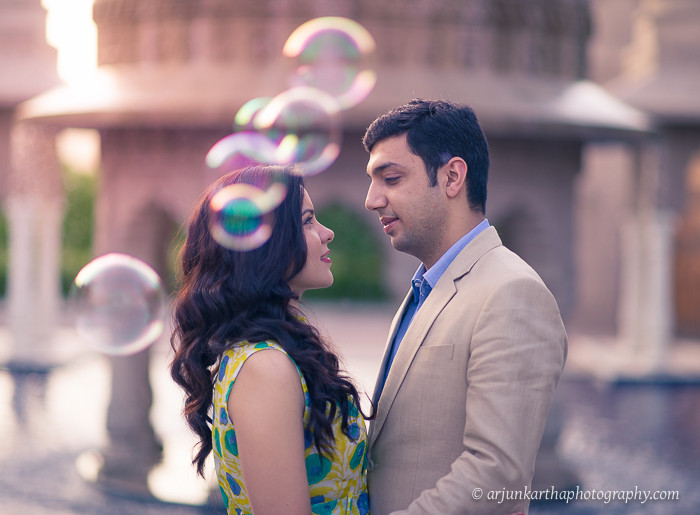akp-candid-wedding-photographer-destination-couple-shoots-rv-fairmont-jaipur-2